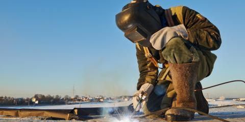 Image fo a welder in Hawaii