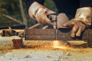 Plasma cutting for workpieces