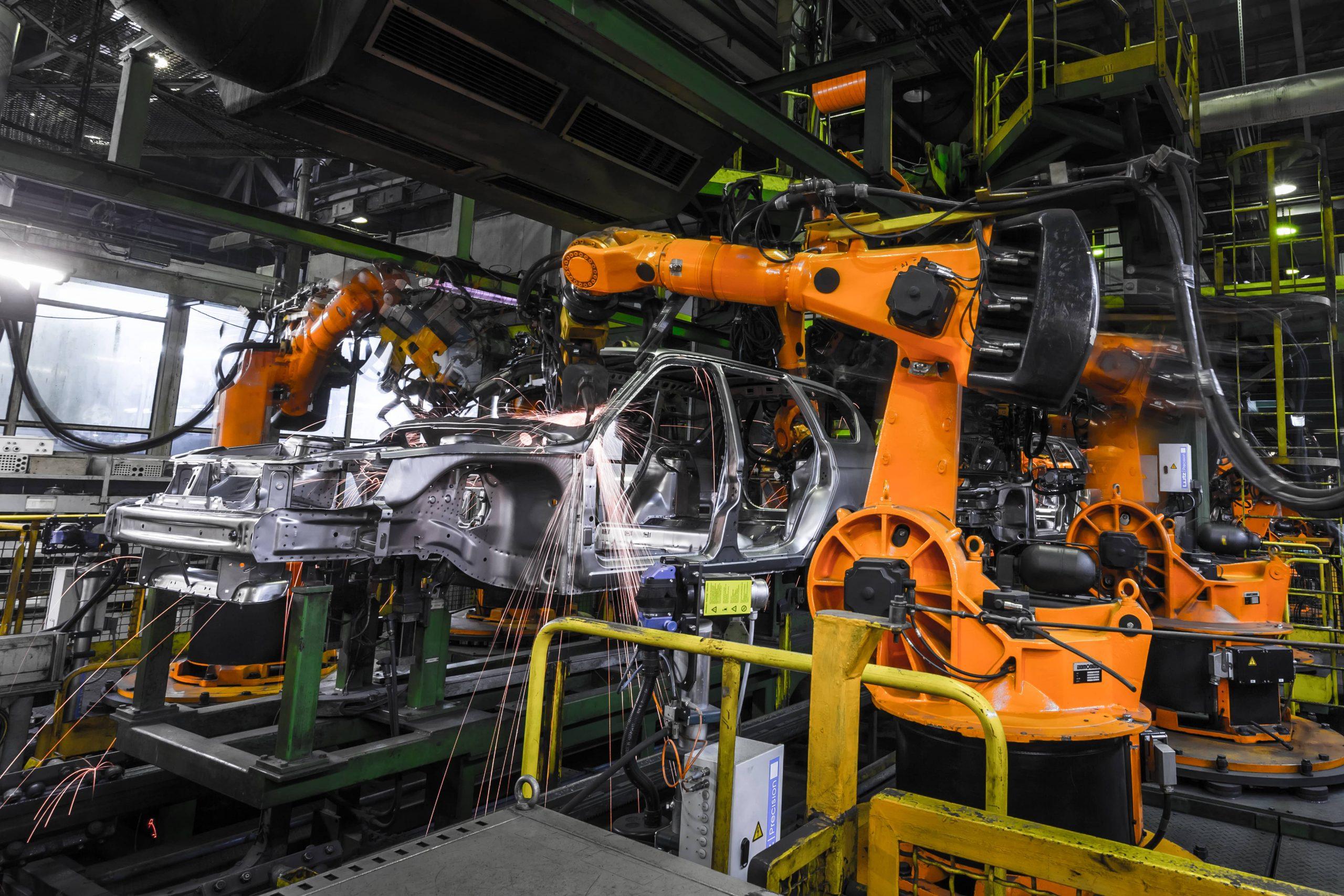 Robotic welding in car manufaturing(1)
